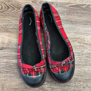 Red & Black Plaid Flats (7.5)
